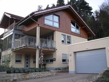 Haus-mit-Holz